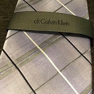 CALVIN KLEIN TIE - NWT